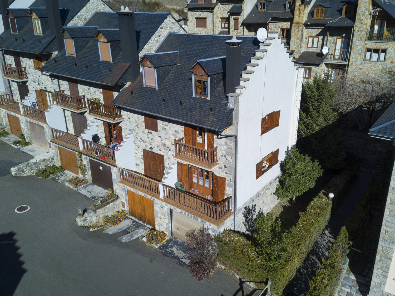 Casa adosada -                                       Benasque -                                       3 dormitorios -                                       6 ocupantes